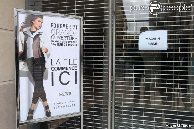 Le magasin Forever 21 de la rue de Rivoli, à Paris, a été pris d'assaut, le samedi 26 octobre 2013 pour son inauguration.
