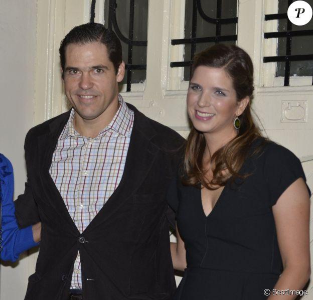 La princesse Margarita de Bourbon, duchesse d'Anjou, de sortie avec son époux le prince Louis et sa mère Carmen Leonor Santaella pour fêter son 30e anniversaire le 21 octobre 2013 dans un restaurant de Madrid.