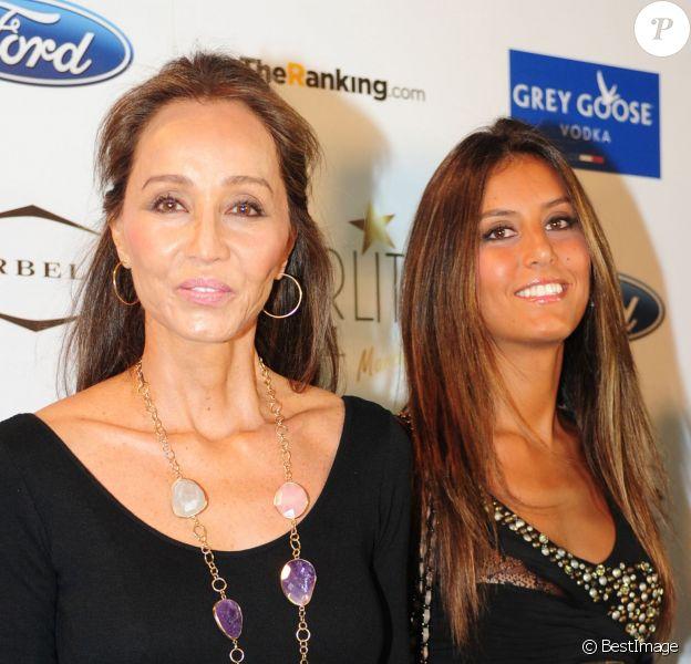 Isabel Preysler et sa fille Ana Boyer à Marbella, le 17 août 2013.