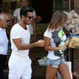 Lola Ponce et son compagnon Aaron Diaz à Naples le 8 juillet 2012.