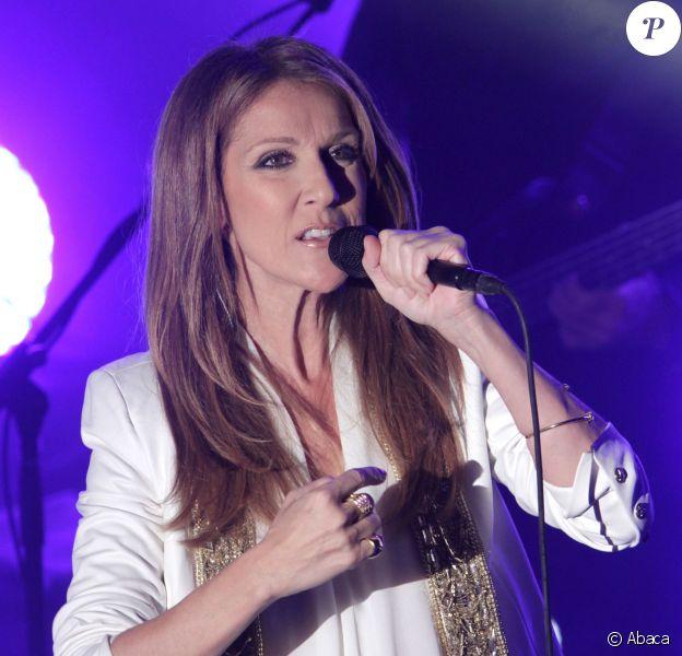 Céline Dion sur la scène du Edison Ballroom à New York, le 29 octobre 2013.