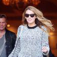 La belle Blake Lively sort de son hôtel Shangri-La à Paris le 30 octobre 2013