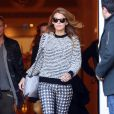 Blake Lively sort de son hôtel Shangri-La à Paris le 30 octobre 2013