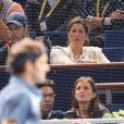 Mirka regardant son mari Roger Federer s'imposer contre Del Potro au BNP Paribas Masters de Paris Bercy le 31 octobre 2013