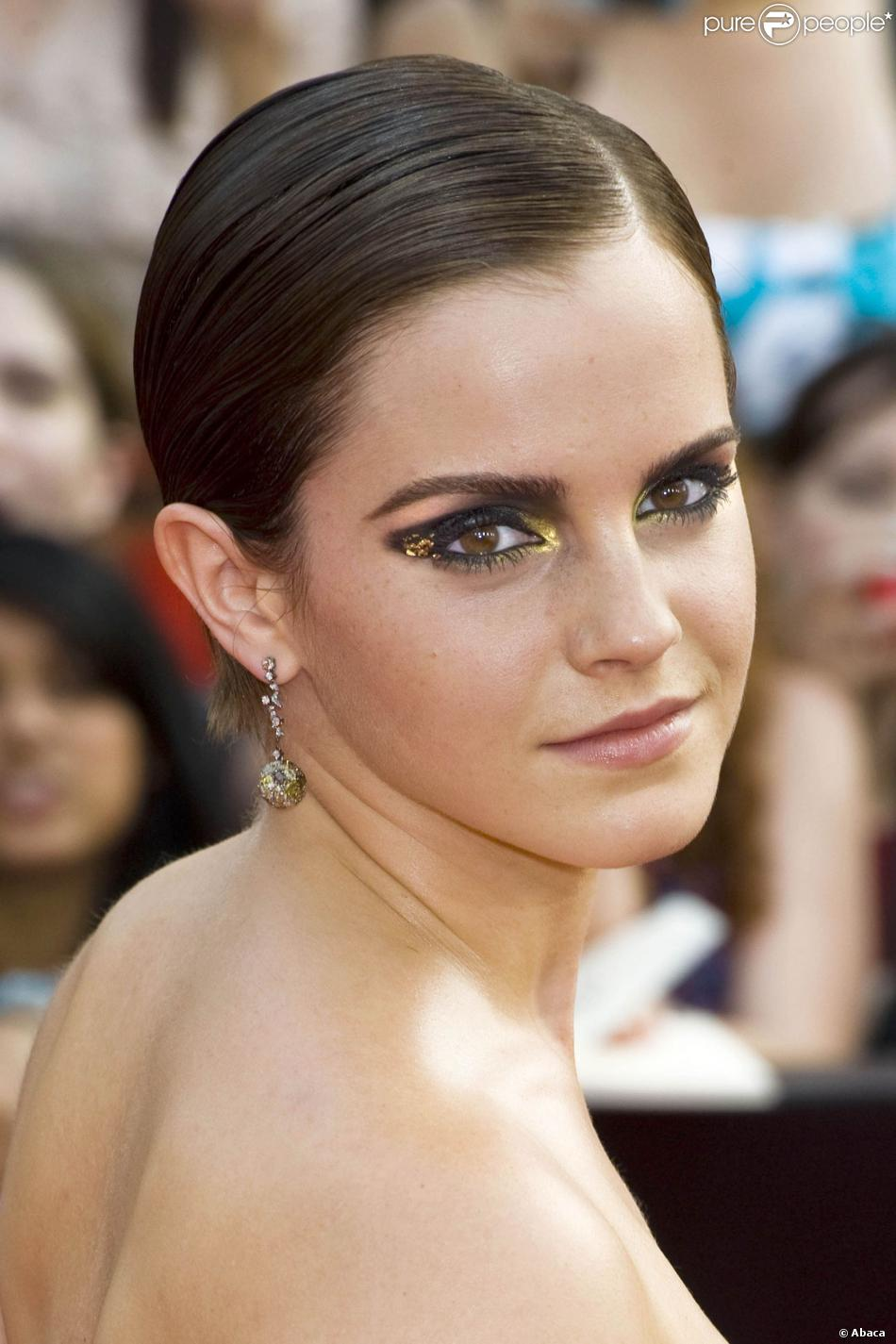 Maquillage de fête : tendance paillettes comme Emma Watson.