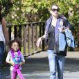 Exclusif - Ellen Pompeo emmène sa fille au zoo de Los Angeles, le 2 novembre 2013.