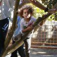 Exclusif - Stella au zoo de Los Angeles, le 2 novembre 2013.