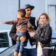 Ellen Pompeo, son mari Chris Ivery et leur fille Stella sont allés diner au restaurant à New York. Le 23 septembre 2013.