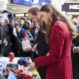 "Le prince William et Kate Middleton, duchesse de Cambridge, rencontrent les bénévoles du ""London Poppy Day"" à Londres. Le 7 novembre 2013"
