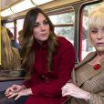 """Joli bain de foule pour le couple britannique ! Le prince William et Kate Middleton, ont pris le bus pour aller à la rencontre des bénévoles du """"London Poppy Day"""" à Londres. Le 7 novembre 2013"""