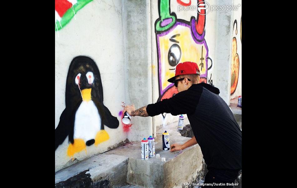 Justin bieber pris en photo alors qu 39 il fait des graffitis for Chambre commerciale 13 novembre 2013