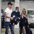 Fergie et son mari Josh Duhamel emmènent leur fils Axl à l'hopital à Santa Monica, le 3 octobre 2013.