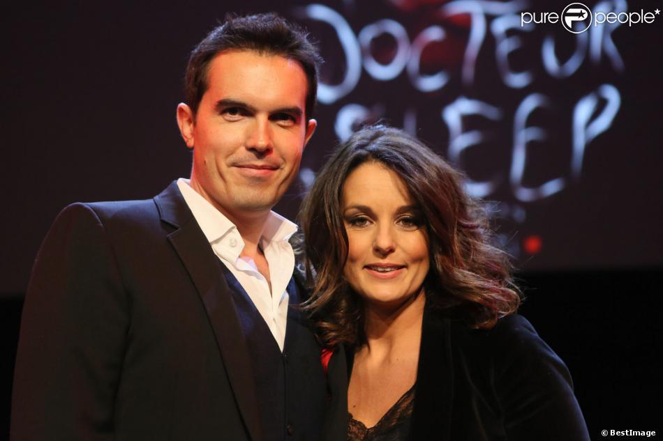 Maxime Chattam et sa femme Faustine Bollaert au Grand Rex à Paris le 16 novembre 2013 pour la présentation du livre de Stephen King.