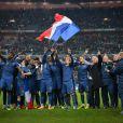 Les Bleus célèbrent la victoire de l'équipe de France face à l'Ukraine en match de barrage qualificatif à la prochaine coupe du monde au Brésil, le 19 novembre 2013 au Stade de France à Saint-Denis