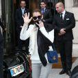 Céline Dion et son mari René Angélil ont quitté leur hôtel Royal Monceau, où ils sejournent à Paris pour se rendre à Anvers pour le second concert de la tournée européenne de la diva. Le 22 novembre 2013.