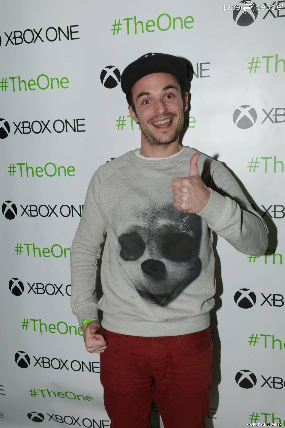 j r me niel lors de la soir e de lancement de la xbox one paris le 21 novembre 2013. Black Bedroom Furniture Sets. Home Design Ideas