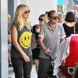 Malin Akerman avec son mari Roberto Zincone et leur fils Sebastian à West Hollywood le 25 juillet 2013