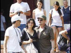PHOTOS : Bono, vacances italiennes avec les trois femmes de sa vie !