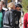 Exclusif - Johnny Hallyday a rejoint Laeticia en Harley Davidson pour un dejeuner en amoureux dans un restaurant de Venice à Los Angeles le 1er novembre 2013