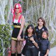 Exclusif - Johnny Hallyday et Laeticia ont célébré Halloween avec leurs fillettes à Los Angeles, le 1er novembre 2013.