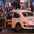 Jamie Dornan et Dakota Johnson sur le tournage de Fifty Shades Of Grey à Vancouver, le 9 décembre 2013, avec la réalisatrice Sam Taylor-Johnson.