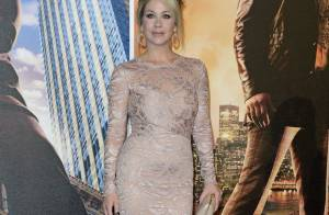 Christina Applegate : Sexy en diable devant Steve Carell et Will Ferrell