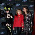 Marie-Anne Chazel et Alexandra Schamis à la générale du spectacle de Thierry Mugler au Comedia, Mugler Follies, à Paris, le 18 décembre 2013.