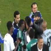 Ronaldinho : Totalement dépouillé à l'issue d'un match de foot !