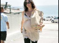 PHOTOS : Minnie Driver, ou comment faire son shopping quand on est très très enceinte...