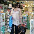 Minnie Driver prépare l'arrivée de bébé en gâtant... son chien !