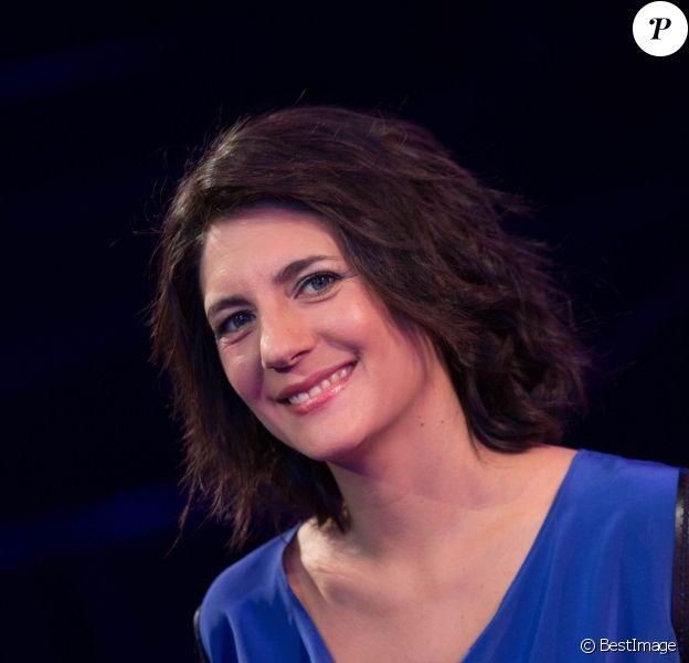 """Exclusif : Estelle Denis à l'enregistrement de l'émission """"Ce soir on chante les tubes 2013"""", diffusée le 3 janvier 2014 sur TF1."""