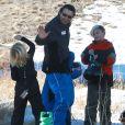 Exclusif - Kingston et Zuma (7 et 5 ans) profitent de leur dernier jour au ski dans la station de Mammoth, le 5 janvier 2014.