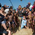 Valérie Trierweiler à Cabourg avec des enfants défavorisés, le 28 août 2013.