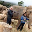 Exclusif - La princesse Stéphanie de Monaco et le photographe Frédéric Nebimger prenant la pose avec les éléphantes Baby et Nepal au domaine de Fonbonne, le 10 janvier 2014. Le photographe signe une exposition retraçant l'aventure de la princesse pour le sauvetage de ces bêtes.