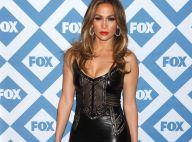 Jennifer Lopez : Lèvres rouges et robe en cuir pour la bombe de 44 ans