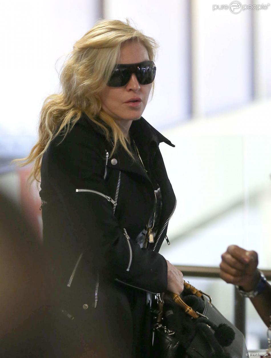 Madonna à l'aéroport de Los Angeles le 18 novembre 2013.