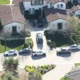 Vue aérienne de la maison de Justin Bieber à Calabasas. La police a annoncé ce mardi 14 janvier 2014 avoir trouvé de la drogue au domicile californien du chanteur Justin Bieber, alors qu'elle perquisitionnait les lieux dans le cadre d'une affaire de vandalisme présumé perpétré par le jeune artiste canadien.