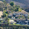 Vue aérienne de la maison de Justin Bieber à Calabasas. La police a annoncé ce mardi 14 janvier 2014 avoir trouvé des substances illicites au domicile californien du chanteur Justin Bieber, alors qu'elle perquisitionnait les lieux dans le cadre d'une affaire de vandalisme présumé perpétré par le jeune artiste canadien.