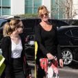 Melanie Griffith complice avec sa fille Stella Banderas au Planet Blue de Beverly Hills, Los Angeles, le 20 janvier 2014.