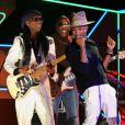 Nile Rodgers et Pharrell Williams interprètent Get Lucky avec les Daft Punk et Stevie Wonderlors des 56e Grammy Awards au Staples Center. Los Angeles, le 26 janvier 2014.