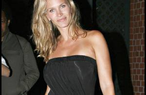 PHOTOS : Natasha Henstridge, la plus belle pour aller dîner...