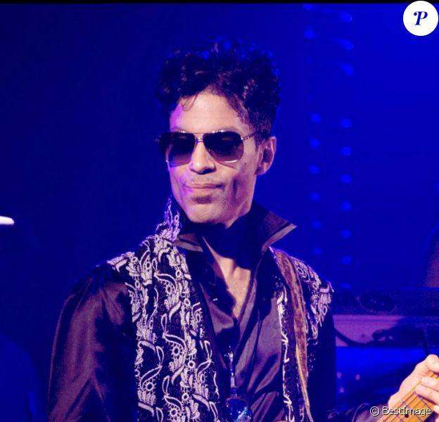 Prince en concert au club Le Palais à Cannes, le 26 juillet 2010