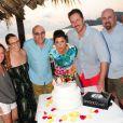 Tiffani Thiessen a fêté ses 40 ans, au Mexique, le 25 janvier 2014 avec son mari Brady Smith et ses amis dont Willie Garson et Tim Dekay.