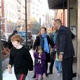 Mimi O'Donnell et ses enfants Cooper, Tallulah et Willa lors de la veillée funèbre en l'honneur de Philip Seymour Hoffman à New York le 6 février 2014