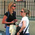 Julia Roberts et sa soeur Nancy Motes à New York le 10 août 2002.