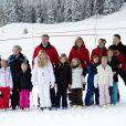 La famille royale néerlandaise au complet donnait rendez-vous à la presse le 17 février 2014 pour la séance photo officielle de son séjour aux sports d'hiver à Lech am Arlberg, en Autriche. Là où, deux ans plutôt, le prince Friso d'Orange-Nassau était piégé par une avalanche fatale.
