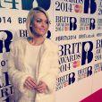 Caroline Receveur : ravissante en direct des Brit Awards 2014, le 19 février 2014 à Londres