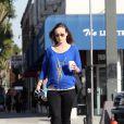 Olivia Wilde, enceinte, promène son chien à Beverly Hills, le 20 février 2014..