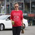 Olivia Wilde, enceinte, se promène dans les rues de Los Angeles, le 7 février 2014.