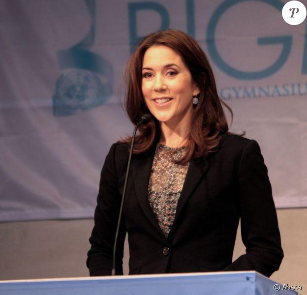 La princesse Mary de Danemark lors de l'ouverture de la conférence Bigmun (Birkerod Gymnasium Model United Nations) le 19 février 2014, une imitation grandeur nature des débats des Nations unies pour les jeunes.